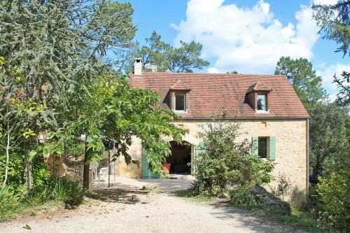 Ferienhaus Veyrignac 200S : Guest accommodation near Milhac
