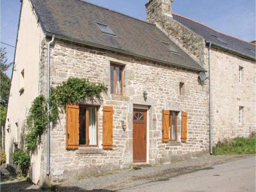 Two-Bedroom Holiday Home in St Goueno : Guest accommodation near Éréac