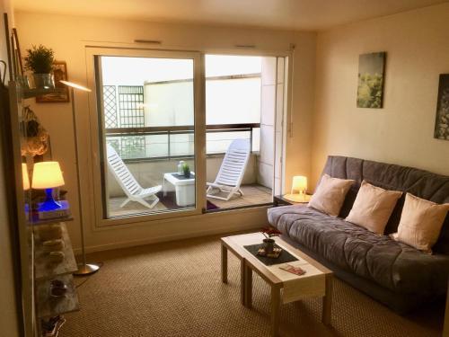 Grand Studio Belle Terrasse : Apartment near Asnières-sur-Seine