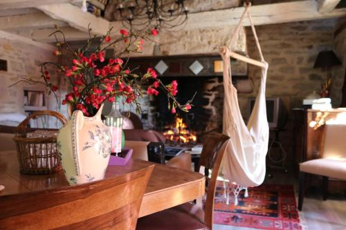 Le Moulin à huile : Bed and Breakfast near Morlhon-le-Haut