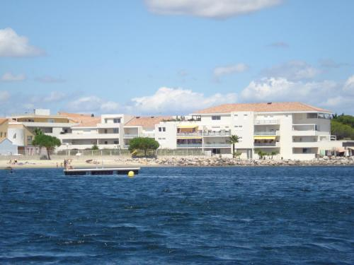 Port Mezua : Apartment near Pinet