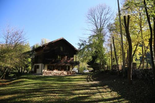 Le Grand Saule : Guest accommodation near Celles