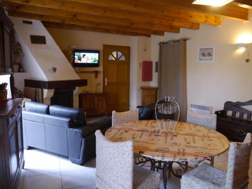 Gite Ardoise Formiguères : Guest accommodation near Rouze