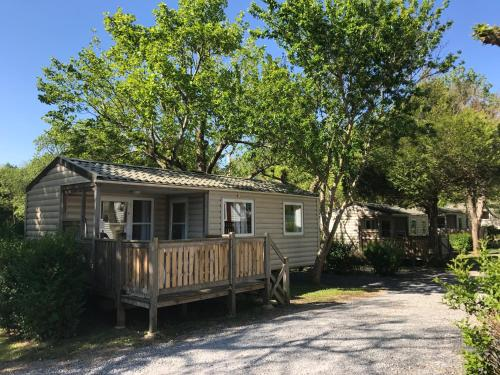 Camping Le Ruisseau : Guest accommodation near Saint-Martin-de-Hinx