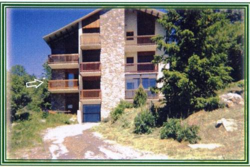 Appartement La Marmotte : Apartment near Égat
