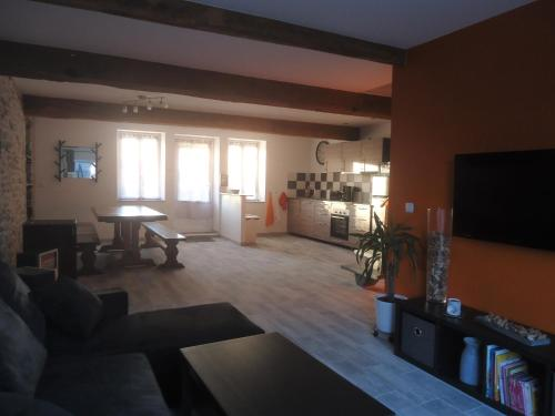 Le Grison : Guest accommodation near Bissy-sous-Uxelles