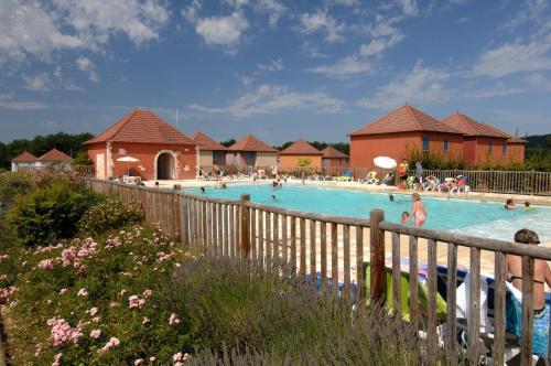 Terres de France - Domaine de Claire Rive : Guest accommodation near Lagardelle