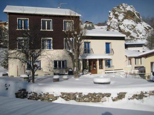 El Mouli Del Riu : Bed and Breakfast near Saint-Pierre-dels-Forcats
