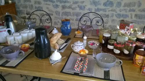 Au Rendez vous de l'Auxois B&B : Bed and Breakfast near Charencey