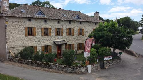 La Pierre Trouée B&B : Bed and Breakfast near Châteauneuf-de-Randon