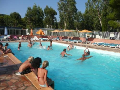 Camping Parc Valrose : Guest accommodation near La Londe-les-Maures