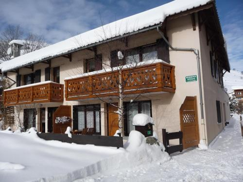 Residence Sylvana : Apartment near Saint-Christophe-en-Oisans