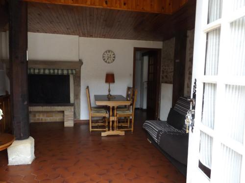 Gite De La Promenade : Guest accommodation near Igornay