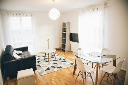 SWEET HOME Rue Roger Salengro : Apartment near Neuilly-Plaisance