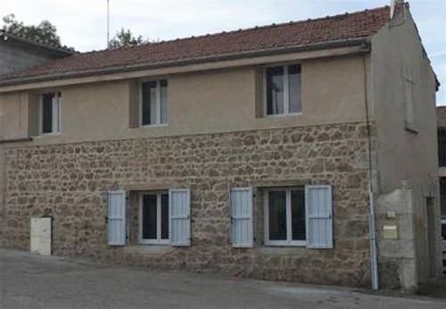 Maison grande capacité : Guest accommodation near Roisey