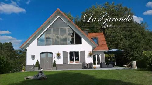 La Garonde : Bed and Breakfast near Flêtre