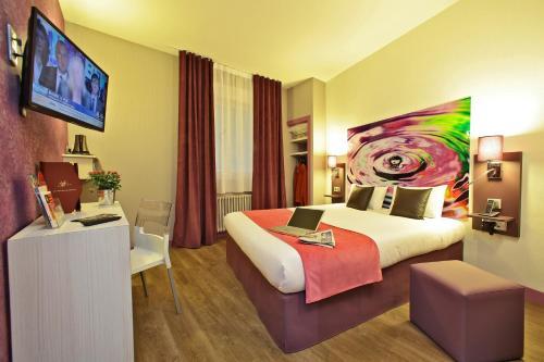 Hotel The Originals Limoges le Saint-Martial (ex Inter-Hotel) : Hotel near Séreilhac