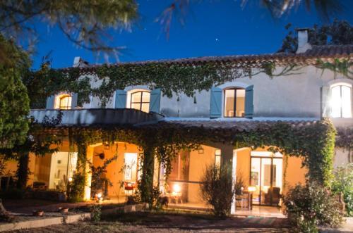 La Maison des Voyageurs : Guest accommodation near Bellegarde