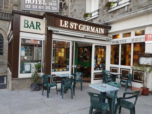 Hotel le Saint Germain : Hotel near La Bazoque