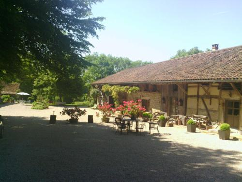 La Ferme de Marie Eugénie : Guest accommodation near Sainte-Croix