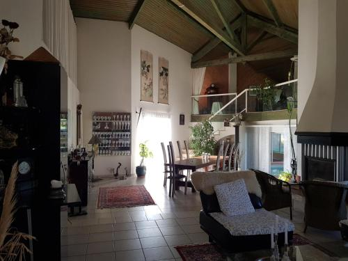 Villa Le Rabailly : Guest accommodation near Ségoufielle