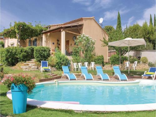 Four-Bedroom Holiday Home in Goult : Guest accommodation near Goult