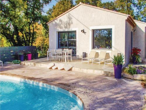 Three-Bedroom Holiday Home in St Romain en Viennois : Guest accommodation near Saint-Romain-en-Viennois