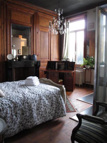 La Bourgogne en Ville : Bed and Breakfast near Santes