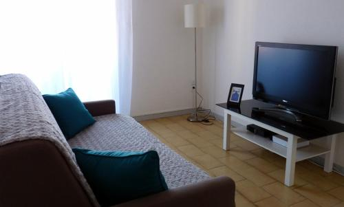 Centre Ville Saint-Martin : Apartment near Pollestres
