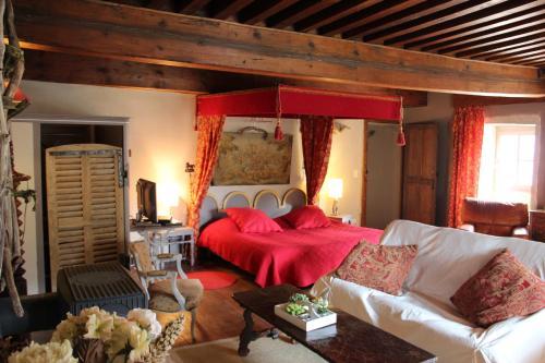 Gothique Café : Guest accommodation near Mirebel