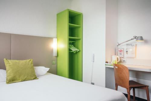 Campanile Créteil Centre : Hotel near Crosne