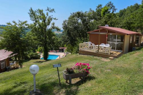 Camping Le Bourdieu : Guest accommodation near Gouzens