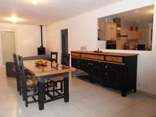 Desvres : maison tout confort, 4 adultes et 1 bébé : Guest accommodation near Saint-Martin-d'Hardinghem