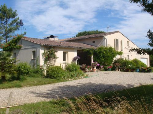 Agacey : Bed and Breakfast near Saint-Médard-en-Jalles