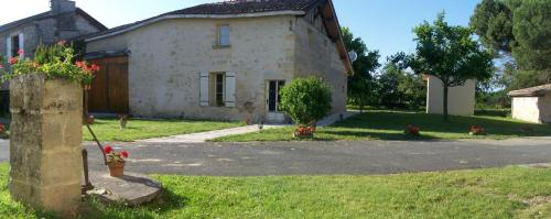 Chateau Laborde : Bed and Breakfast near Le Fieu