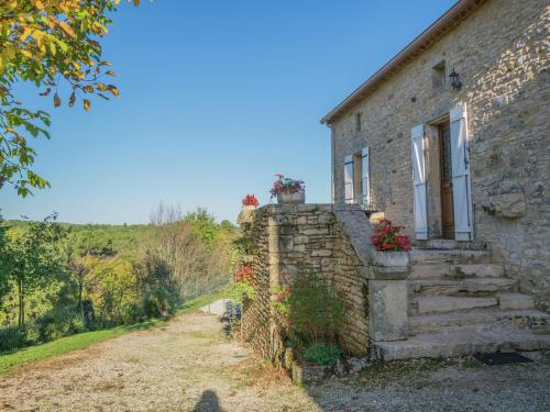 Holiday home Montcabrier : Guest accommodation near Saint-Martin-le-Redon