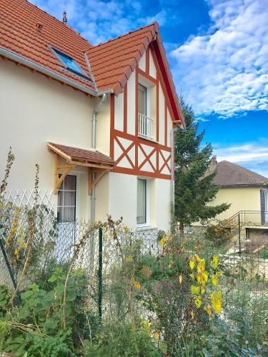 Le Cabanon : Guest accommodation near Saint-Pierre-Azif