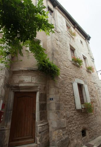 La Maison d'Alienor | Gîtes : Guest accommodation near Collan