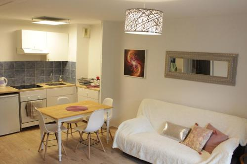 Appartement Les Pléiades : Apartment near Lagarrigue