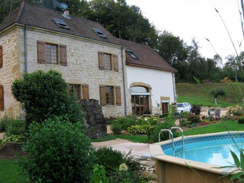 Maison Les Carrieres : Bed and Breakfast near Saint-Julien-de-Jonzy