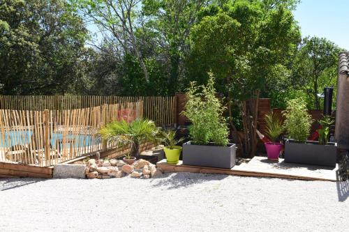Entre la Sainte Baume et la Sainte Victoire : Guest accommodation near Seillons-Source-d'Argens