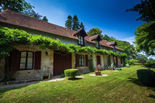 Le Chalet Montégut : Hotel near Tronget