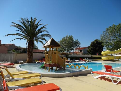 Camping Sunissim La Pergola By Locatour : Guest accommodation near Sainte-Marie