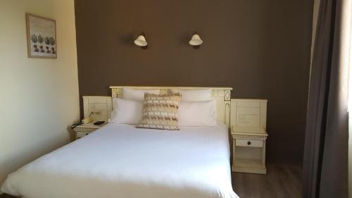 Le Mas Du Colombier : Hotel near Cadenet