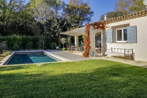 Villa Les Lucioles : Guest accommodation near Valbonne