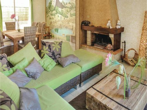Three-Bedroom Holiday Home in Tourbes : Guest accommodation near Pézenas