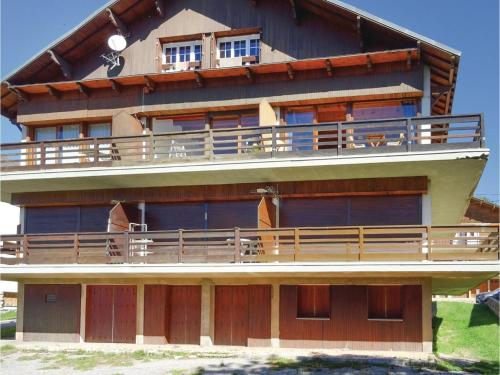One-Bedroom Apartment in Font Romeu : Apartment near Égat