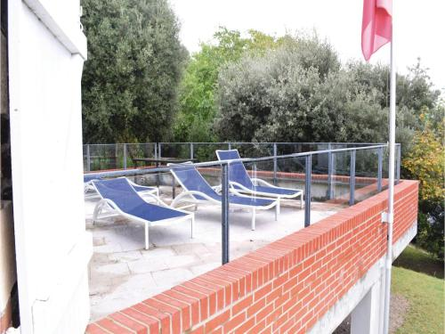 Three-Bedroom Holiday Home in Barneville Carteret : Guest accommodation near Saint-Pierre-d'Arthéglise