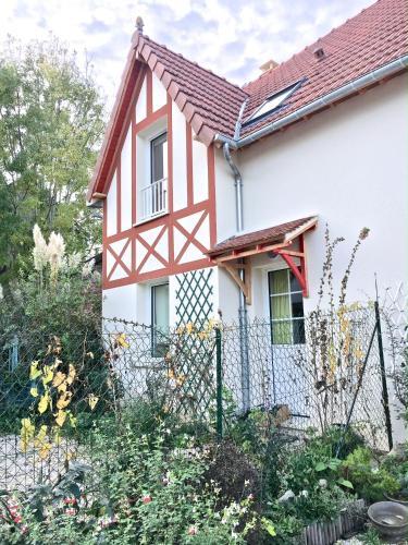 La Glycine : Guest accommodation near Auberville
