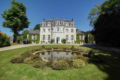 Najeti Hôtel Château Cléry : Hotel near Wirwignes